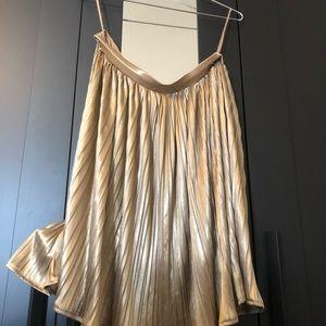 Shimmer gold pleated skirt